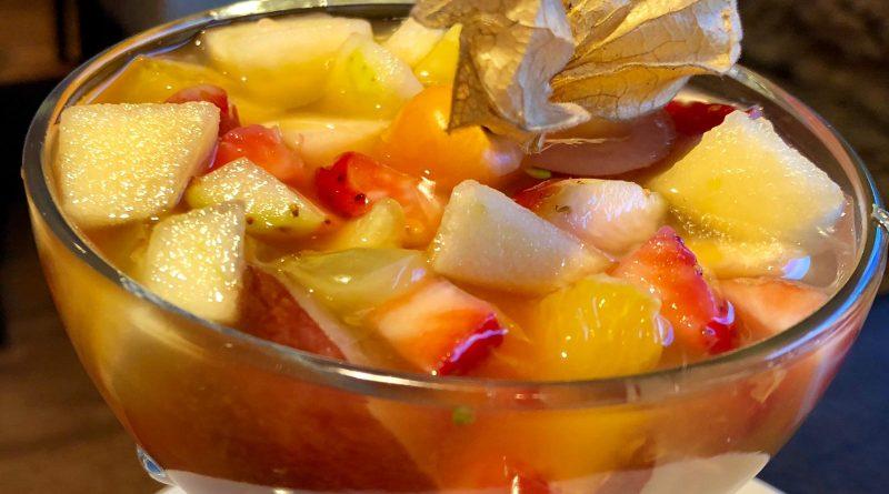 Sí, una macedònia de fruites, també és una recepta tradicional.
