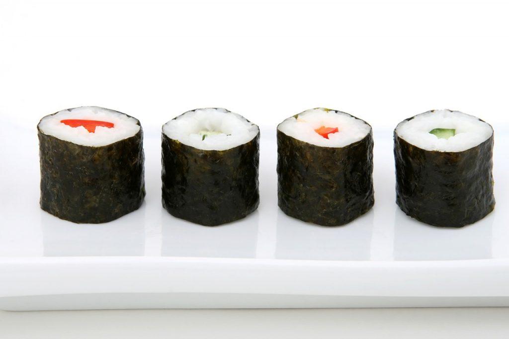 El dimecres vinent dia 06 de febrer del 2019 farem Sushi a La Borda típica Andorrana Borda Xixerella Andorra Els japonesos aconsellen menjar-se el sushi amb les mans