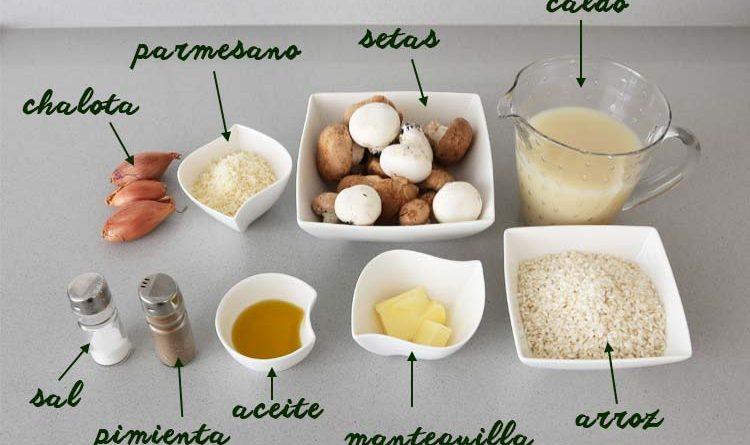 Cebolla Setas Arroz Caldo de verduras Queso mascarpone Queso parmesano Aceite Sal Preparación Picar un cuarto de cebolla y sofreirla con un poco de aceite a fuego medio/bajo hasta que quede transparente. Cortar las setas en trozos medianos. Cuando la cebolla esté lista, añadir las setas. Calentar el caldo de verduras. Cuando las setas estén rehogadas, añadir una tacita de arroz por persona. Añadir el caldo de verduras, bien caliente, hasta que la mezcla esté cubierta en la olla. Es preferible echar el caldo justo e ir añadiendo poco a poco según lo absorba el arroz, ya que el objetivo es que quede una textura cremosa, no caldosa. Remover regularmente y esperar a que el arroz absorba el caldo y suelte el almidón. Cuando al arroz le queden un par de minutos de cocción y un poco de caldo, añadir una cucharada generosa de queso mascarpone y remover. Añadir el queso parmesano al gusto y remover bien, para que ligue todo y quede una textura cremosa. El queso mascarpone se puede sustituir por nata y mantequilla; las setas pueden ser deshidratadas, en función de aquellas que se tengan disponibles. A partir de este sencillo risotto, se pueden probar multitud de variantes: los quesos pueden ser de otros tipos, como gorgonzola y queso azul; también el arroz, aunque hay que tener cuidado con los tiempos de cocción de cada variedad. Y se pueden utilizar verduras y hortalizas de muchos tipos, marisco, etc, según el gusto de cada uno: calabacín, calabaza, pimiento, champiñones, gambas, etc.