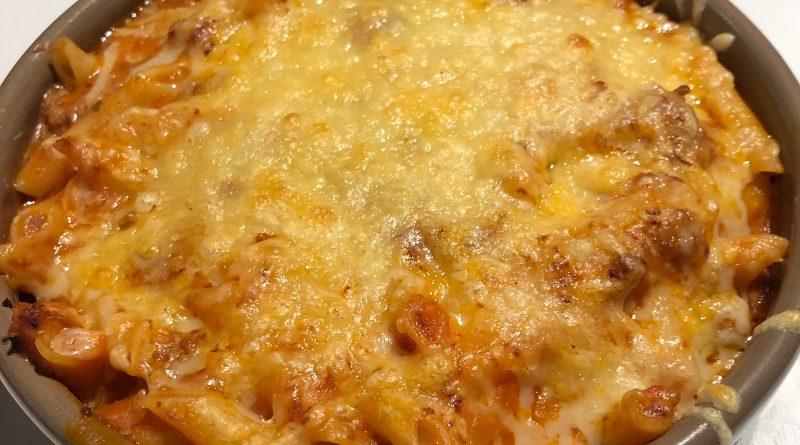 En la Borda típica Andorrana Borda Xixerella también tenemos platos de pasta entre ellos los macarrones a la boloñesa gratinados con queso