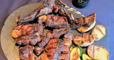 El chuletón es una de las maravillas gastronómicas de este país Andorra en la Borda Xixerella Restaurant en Erts La Massana se come uno de los mejores chuletones del País