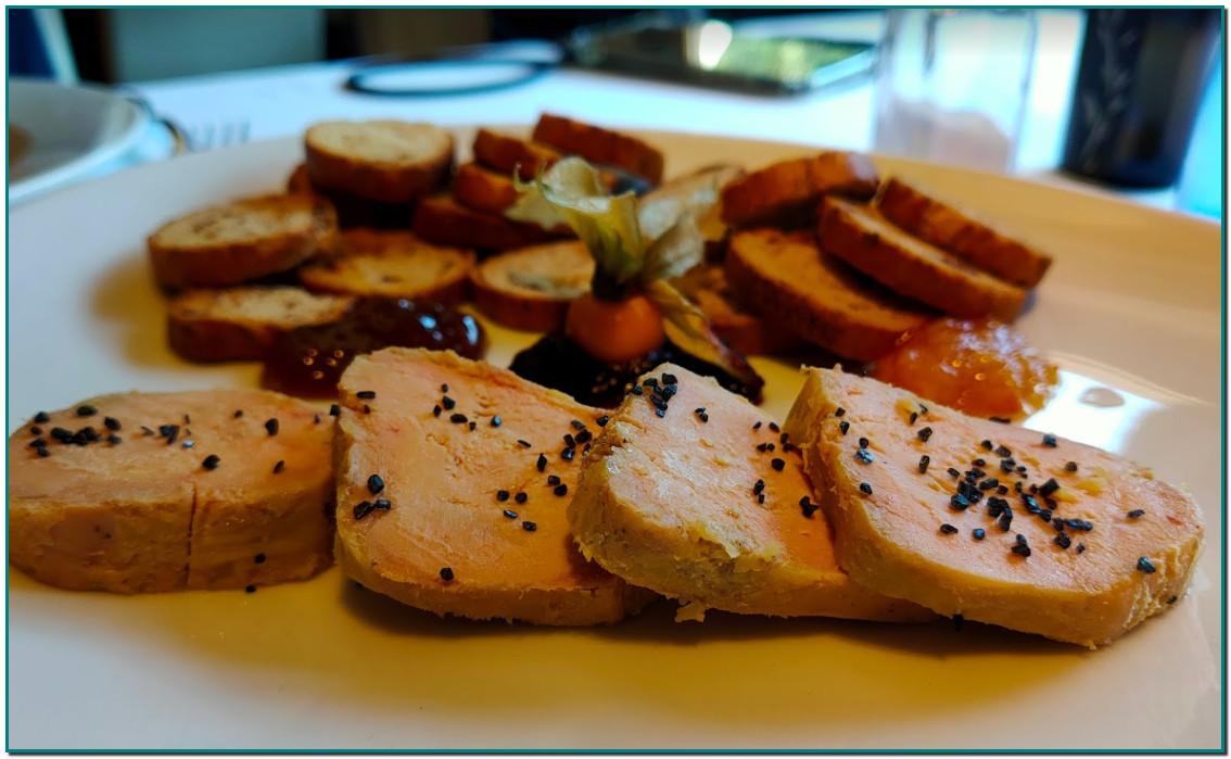 """Vous avez une envie irrépressible de manger du foie gras, vous êtes sur l'Andorre. Allez à Restaurant """"Borda Típica Andorrana Xixerella""""."""