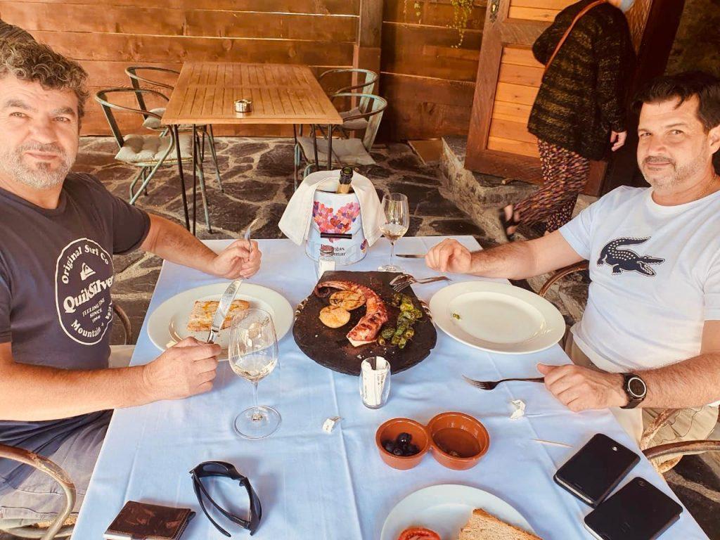 Besugo de 2 kg a la brasa en Borda Xixerella Andorra El besugo está considerado como el rey de los pescados en Japón desde tiempos inmemoriales. Es uno de los manjares más apreciado en las grandes celebraciones.