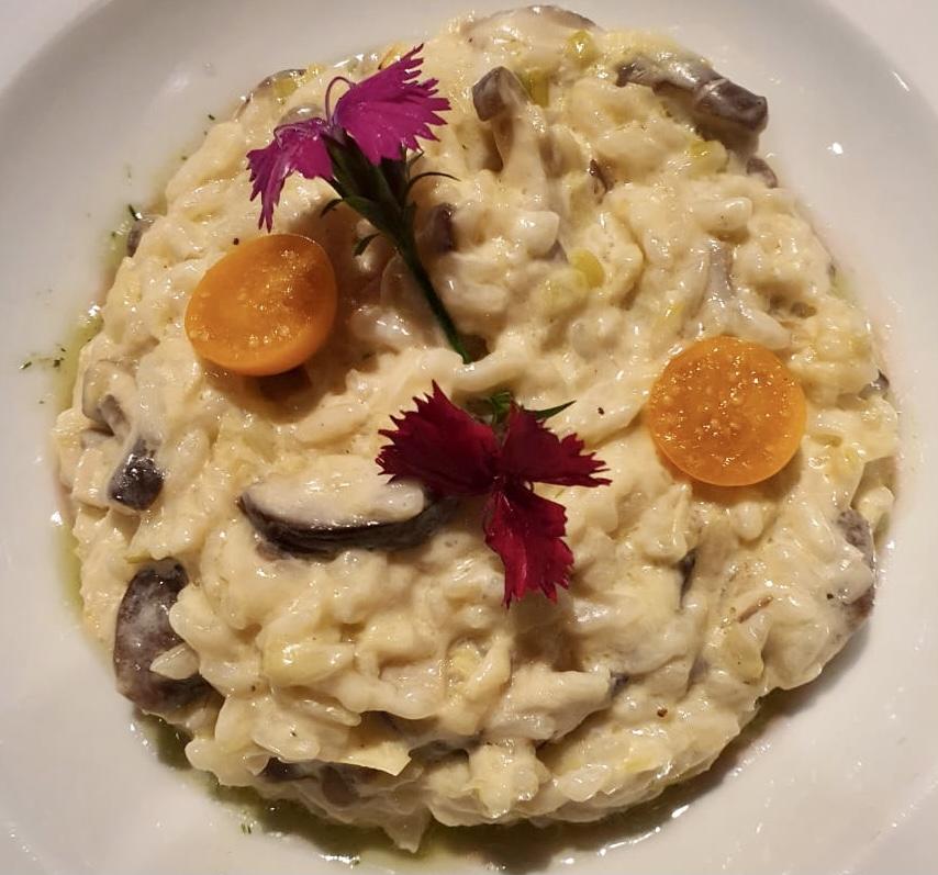Has de provar els saborosos risottos de tradició italiana amb el seu parmesà a la Borda Xixerella fets de la mà d'un dels millors xefs d'Andorra.
