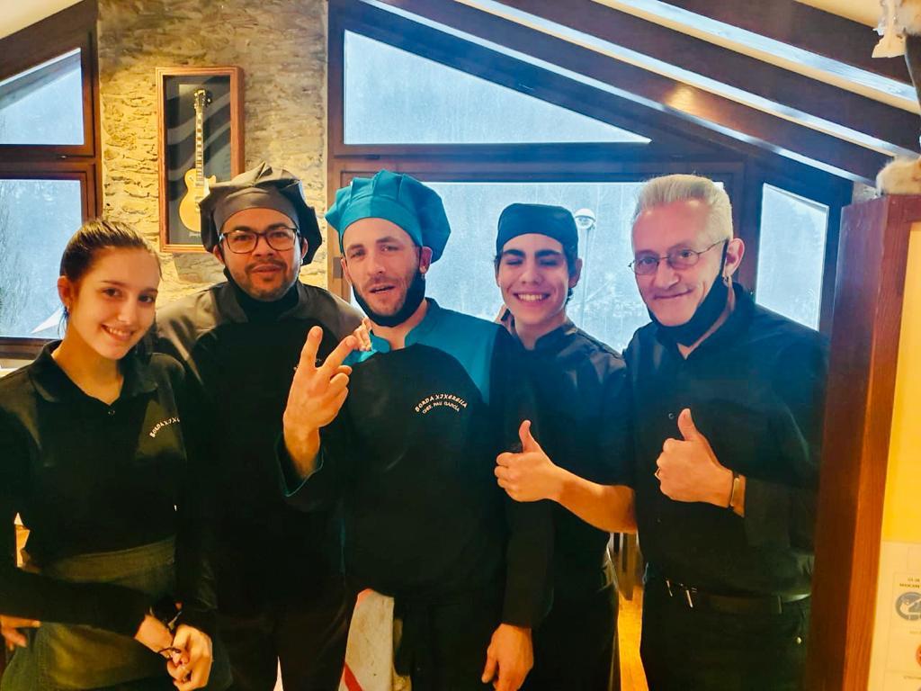 Tot l'equip de Borda Restaurant Xixerella us vol desitjar un BON NADAL!