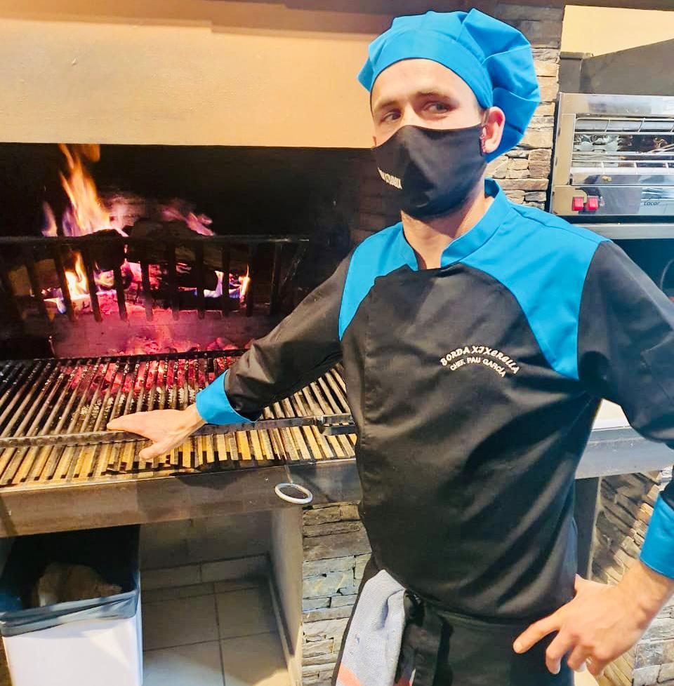 Tot l'equip de Borda Restaurant Xixerella us vol desitjar un BON NADAL! Todo el equipo de Borda Restaurant Xixerella les quiere desear FELIZ NAVIDAD!