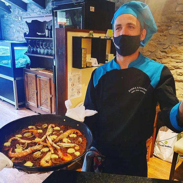 La millor fideua gratinada amb allioli a Andorra a la Borda Xixerella Restaurant de cuina tradicional i cuina de peix de les millors llotges