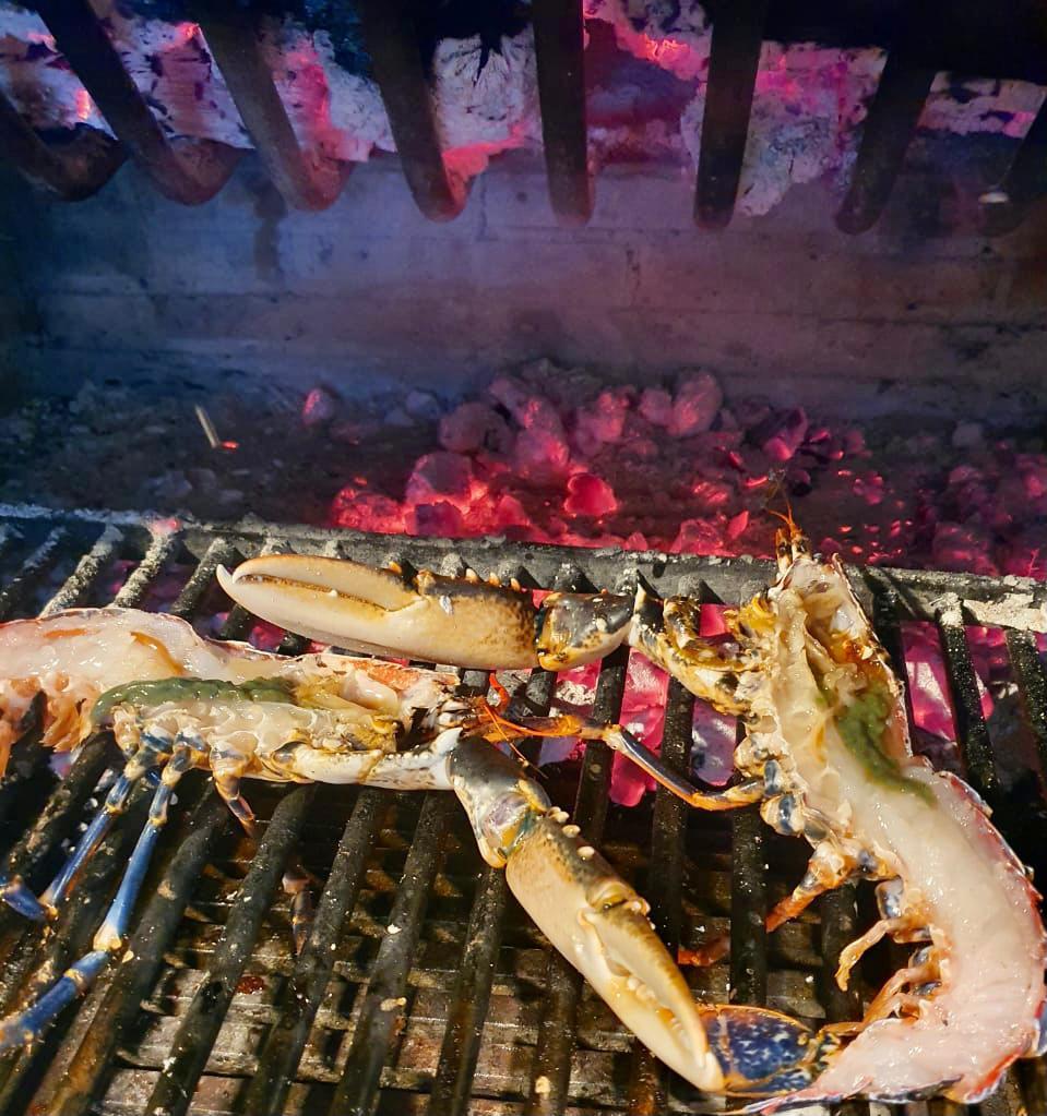El mejor Bogavante gallego asado a la brasa de Andorra