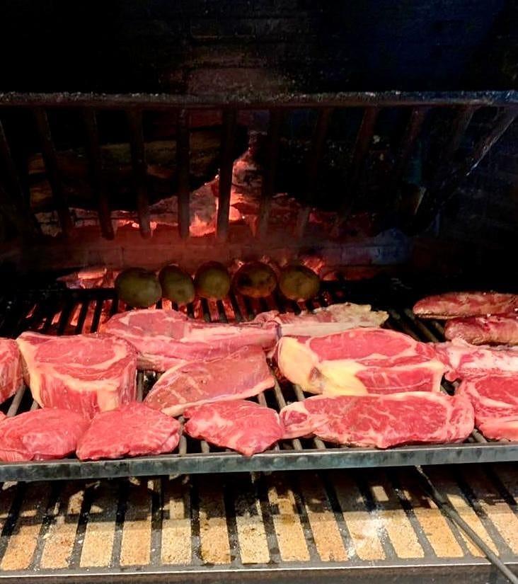 Restaurant Andorra carnes premium a la parrilla #beef #chuletones #parrilla #bbqparty #meat #foodporm #foodie #andorra