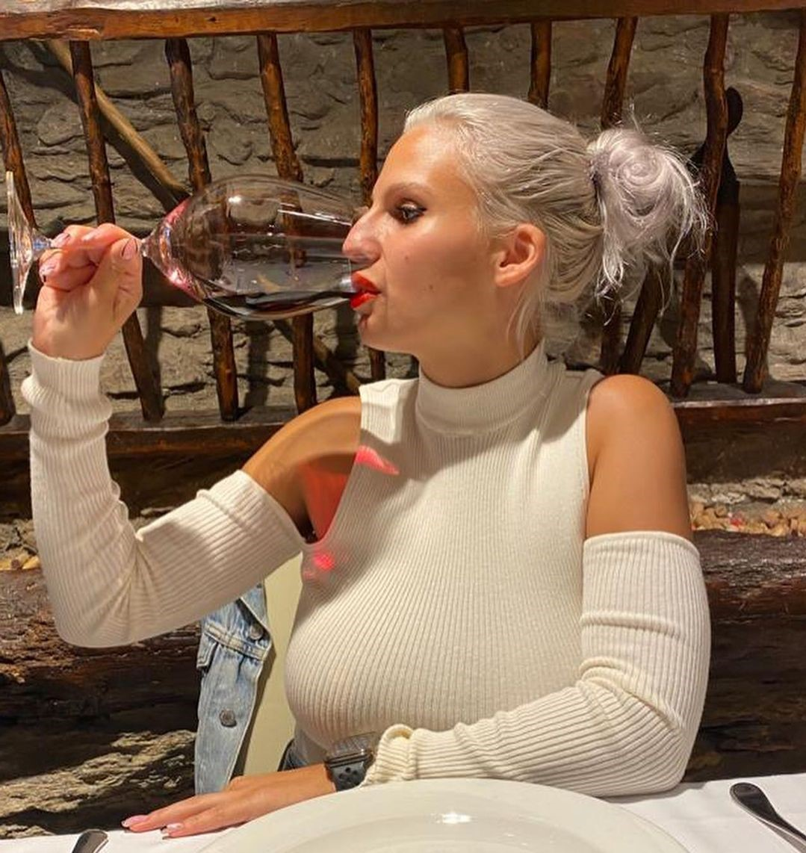 Thanks a lot @srta.rodrigo Lovely lady drinking good wine @home in bordaxixerella We like so much